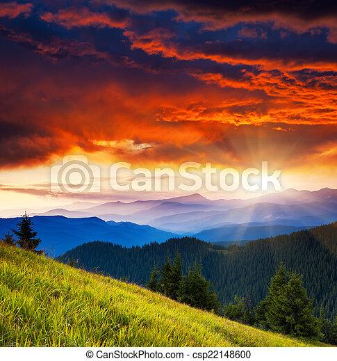 Un paisaje de montaña - csp22148600