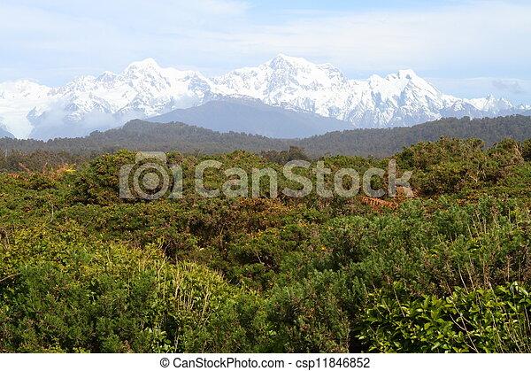 Un paisaje de montaña - csp11846852