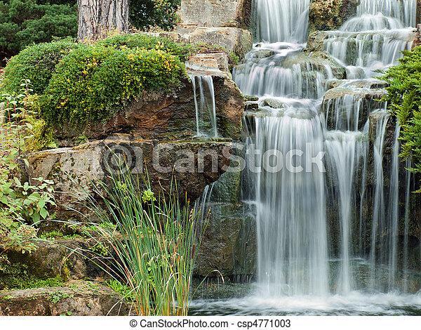 paisible, chute eau - csp4771003