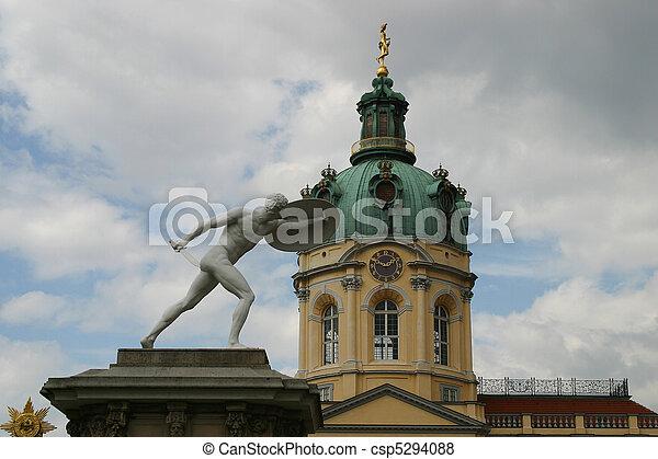 palacio de charlottenburg - csp5294088