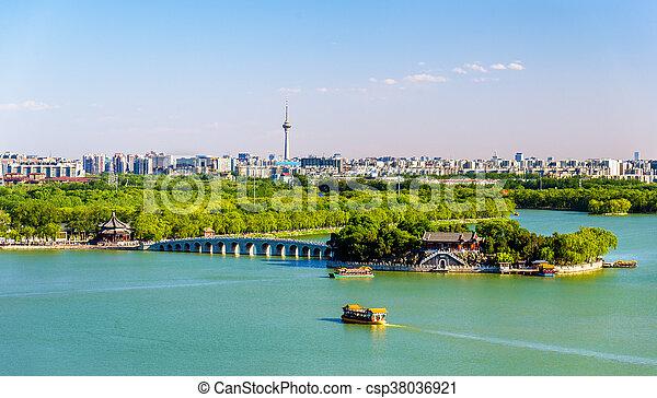Lago Kunming visto desde el palacio de verano - beijing - csp38036921