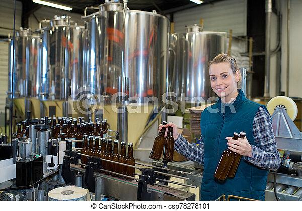 palack berendezés, nő, sörfőzde - csp78278101