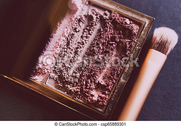 palette, tonalités, nue, écrasé, sombre, poudre, fond, fards paupières, brosse rougissement - csp65889301