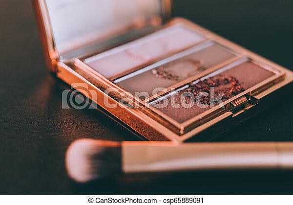 palette, tonalités, or, rose, nue, couleurs sombres, brosse, fond, fards paupières - csp65889091