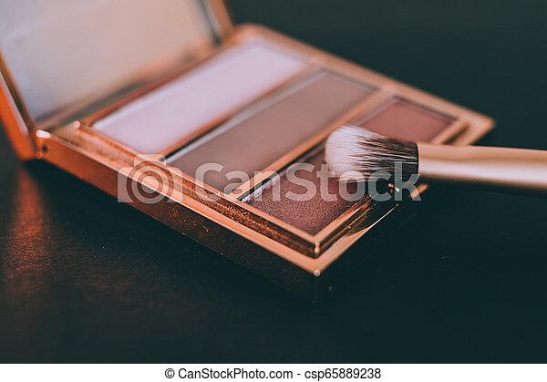 palette, tonalités, or, rose, nue, couleurs sombres, brosse, fond, fards paupières - csp65889238