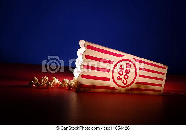 Palomitas de maíz en el cine - csp11054426