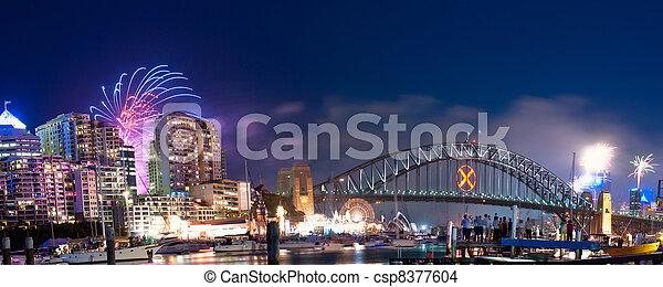Sydney tiene un panorama de fuegos artificiales - csp8377604