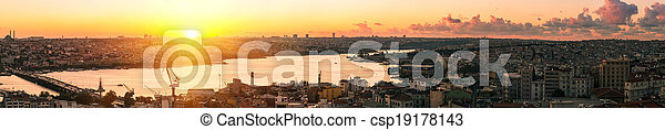 Panorama in Istanbul ay sunset - csp19178143