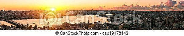 Panorama in Istanbul ay sunset - csp19178143
