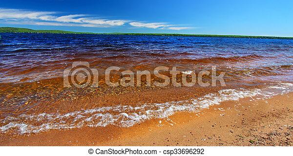 Lago gogebic panorama - csp33696292