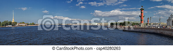 Panorama del río Neva en San Petersburgo - csp40280263