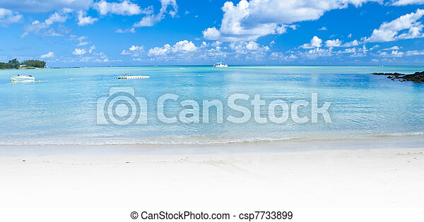 Panoramic Ocean view in the tropics - csp7733899