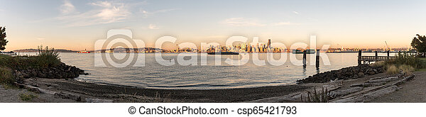 Panoramic view of sunset light over the downtown Seattle, Washington, USA. - csp65421793