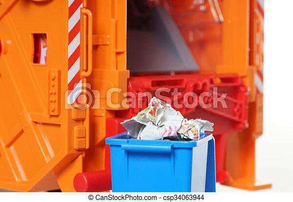 Desechos de papel - csp34063944