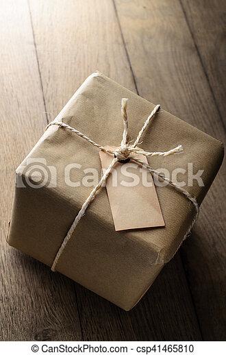 papier, brun, a mûri, vide, ficelle, étiquette, paquet - csp41465810