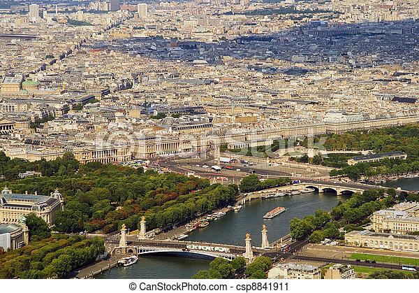 Amable a París desde Tour d'Eiffel Heights - csp8841911