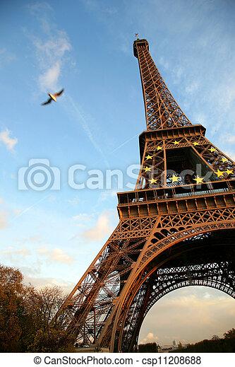 Tour d'Eiffel, París - csp11208688