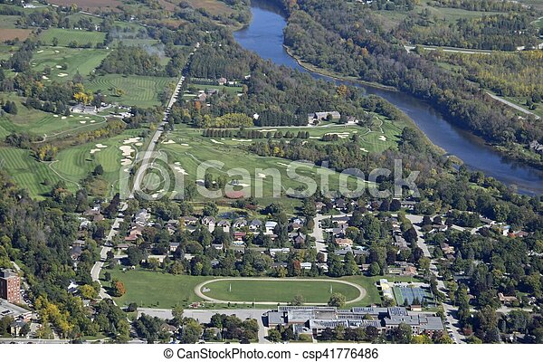 Campo de golf, París Ontario - csp41776486