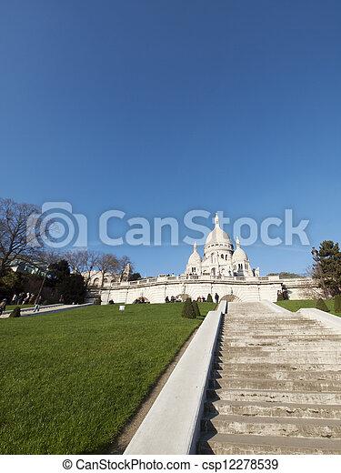 Sacre coeur basilica en París - csp12278539