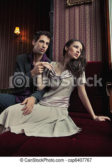 par, atraente, abraçando, jovem - csp6407767