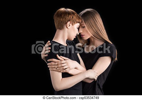 Lesbisk forfører ung kvinde