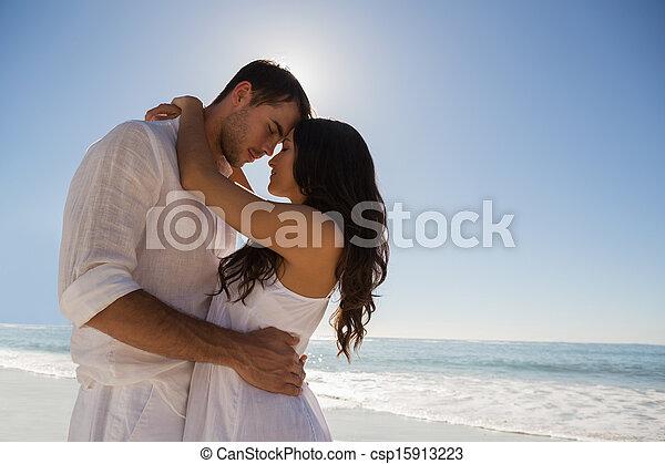 par romântico, abraçar - csp15913223