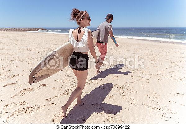 par, surfbräda, surfarear - csp70899422