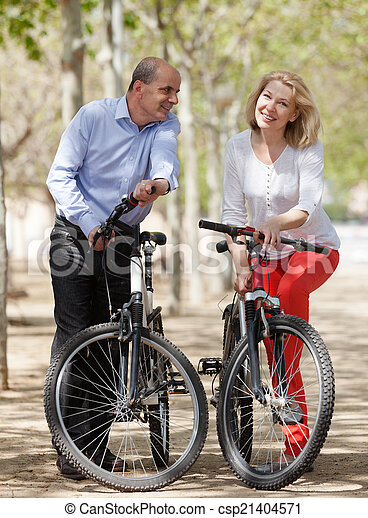 para, bicycles, dojrzały - csp21404571