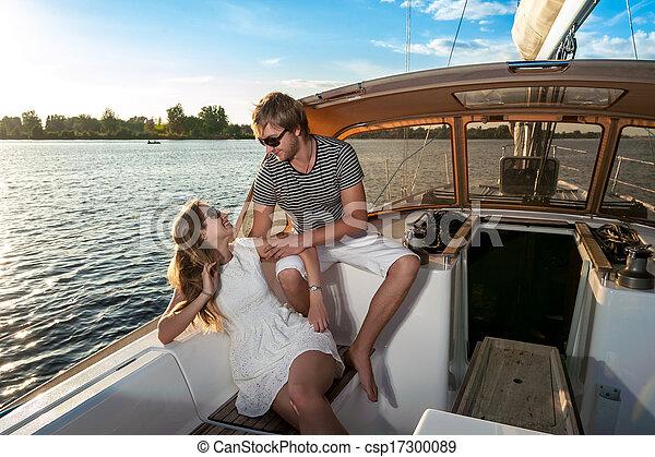para, jacht, młody, odprężając, szczęśliwy - csp17300089