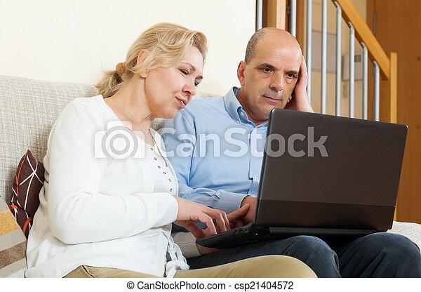 para, laptop, dojrzały - csp21404572