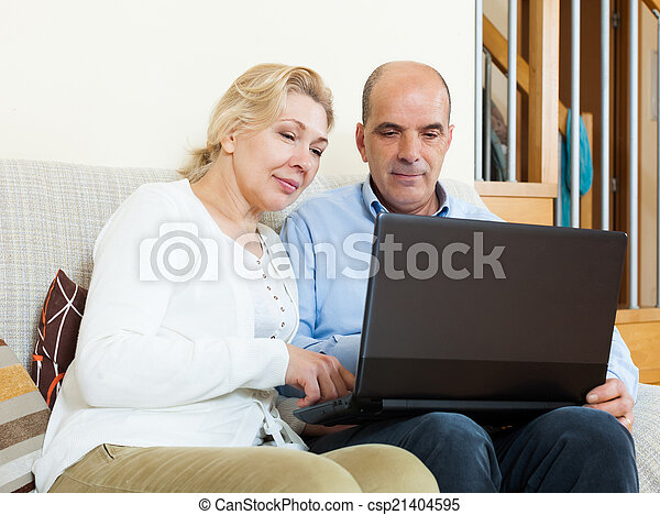 para, laptop, dojrzały - csp21404595