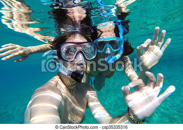 para, miodowy miesiąc, młody, snorkeling - csp35335316