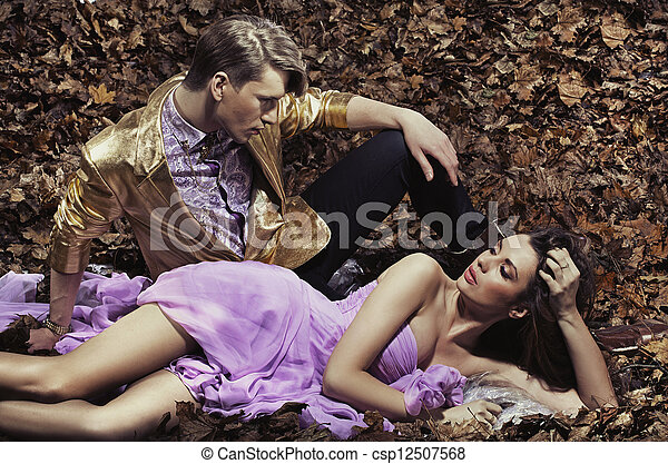 para, modny, pociągający, młody - csp12507568