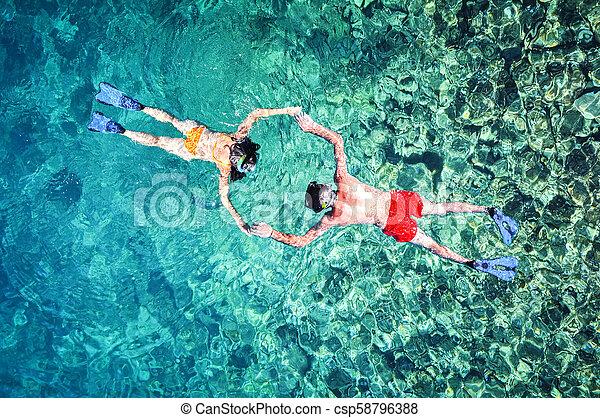 para, snorkeling, romantyk, morze - csp58796388