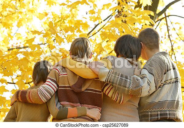 parc, automne, famille - csp25627089