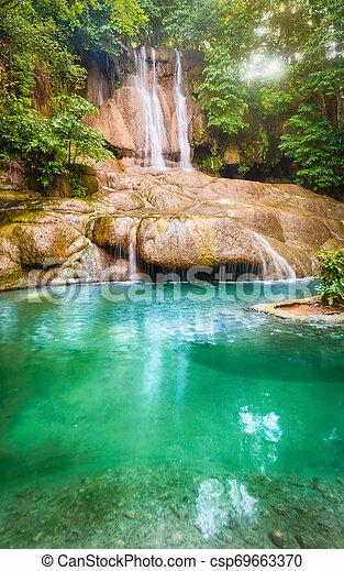 parc, chute eau, national, thaïlande, erawan, beau - csp69663370