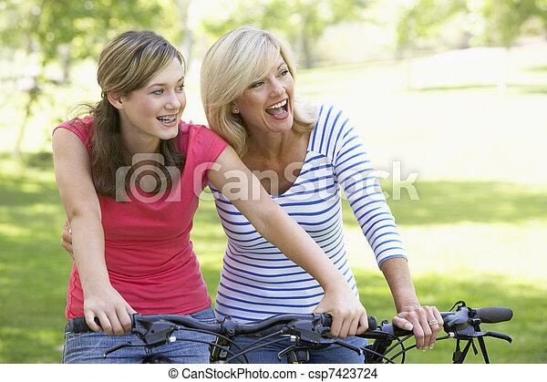 parc, cyclisme, fille, par, mère - csp7423724