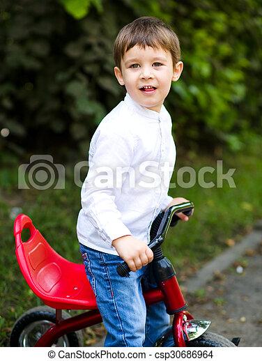 parc, garçon, équitation bicyclette - csp30686964