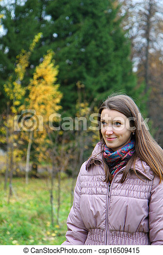 parc, girl, autumn-day, marche - csp16509415