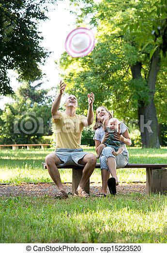 parc, jeune famille - csp15223520