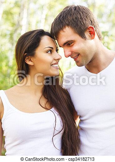 parc, mignon, couple, jour ensoleillé - csp34182713