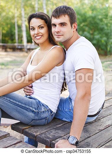 parc, mignon, couple, jour ensoleillé - csp34753155