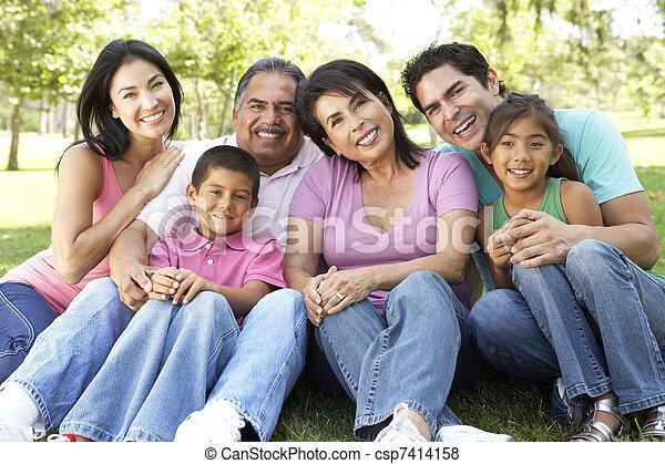parc, prolongé, groupe, portrait famille - csp7414158