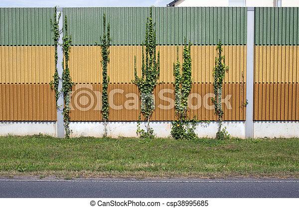 El muro de la barrera del ruido - csp38995685