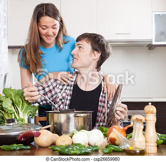 Cocinar juntos - csp26659980