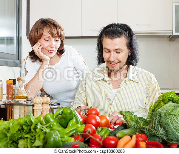 Cocinábamos juntos - csp18380283