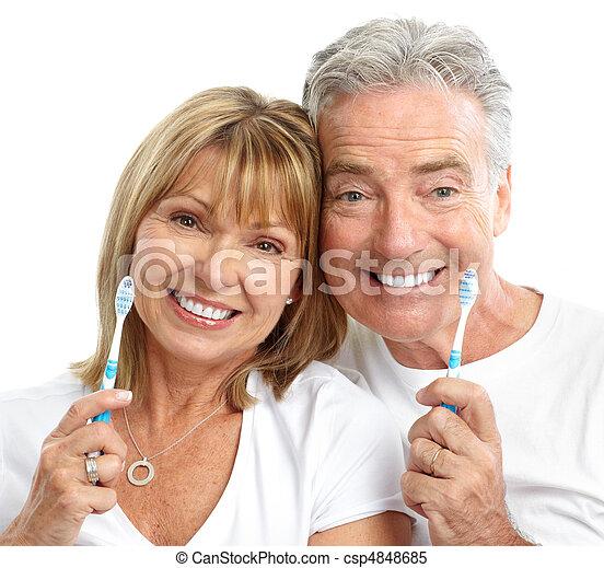 La pareja de ancianos - csp4848685