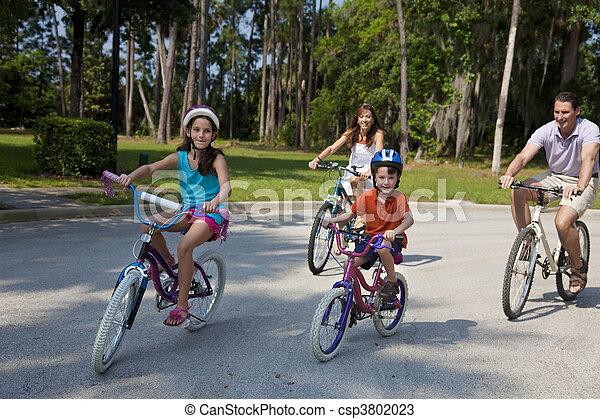 parents, moderne, cyclisme, enfants, famille - csp3802023