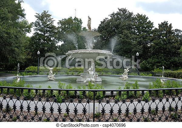 Historischer Forsyth Park Springbrunnen - csp4070696