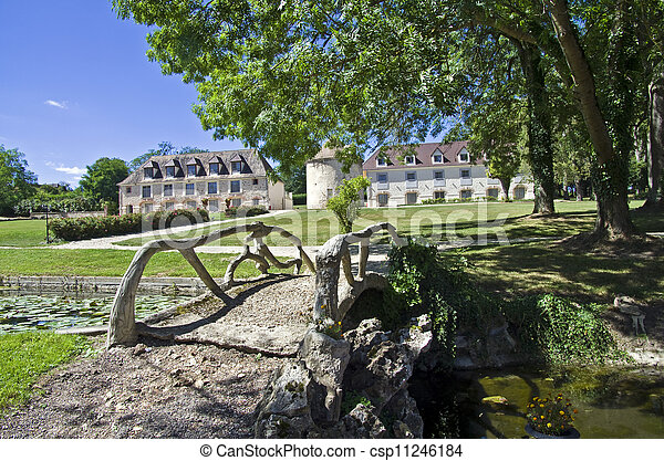 Park in the old French castle. - csp11246184